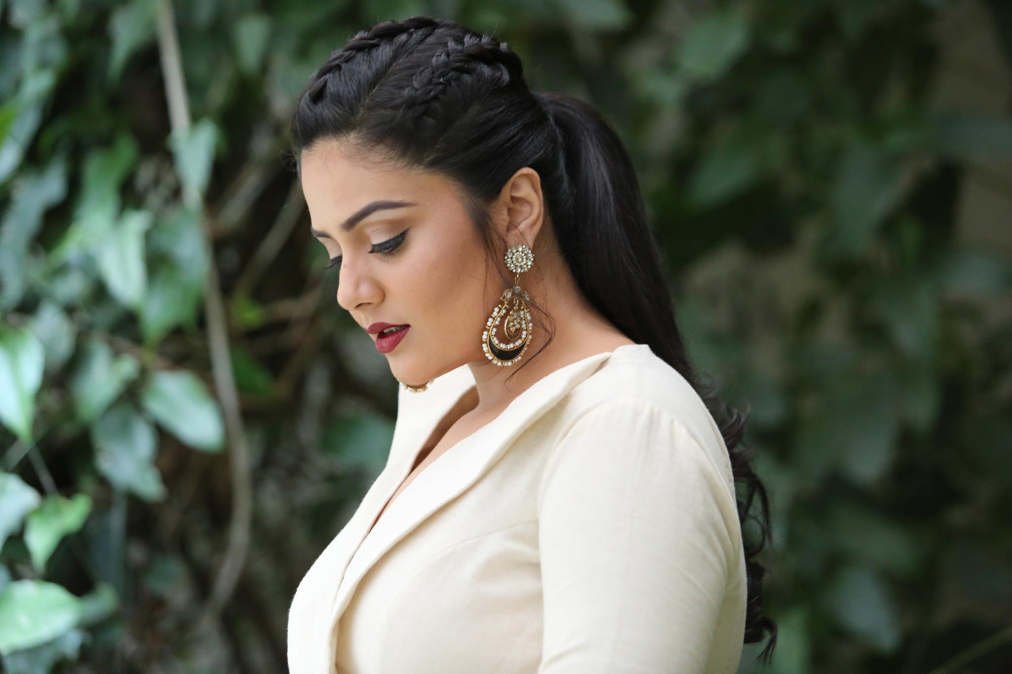 Actress Srimukhi Latest HD Photoshoot Pics