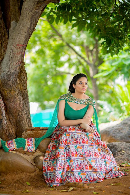 Anchor Srimukhi New Photoshoot Pictures