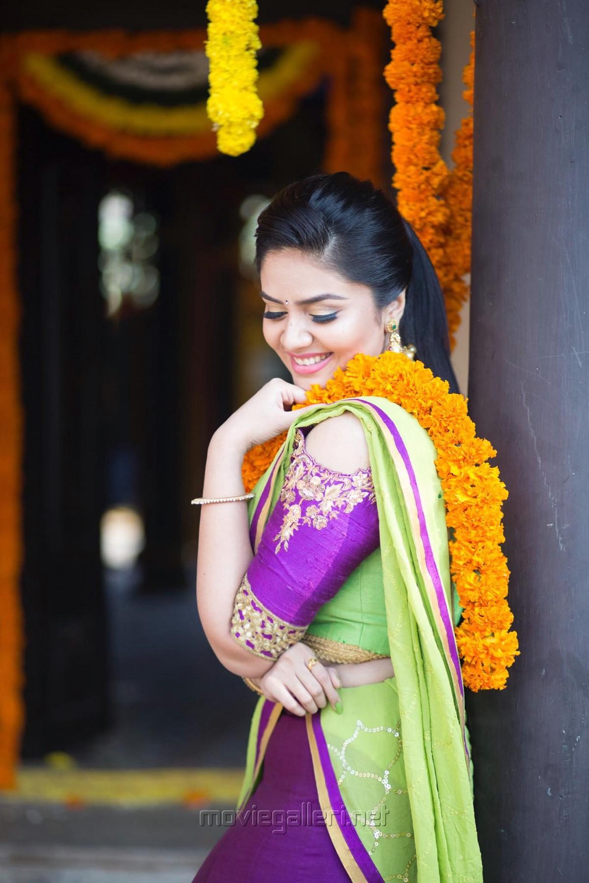 Actress Srimukhi Saree Photoshoot Images