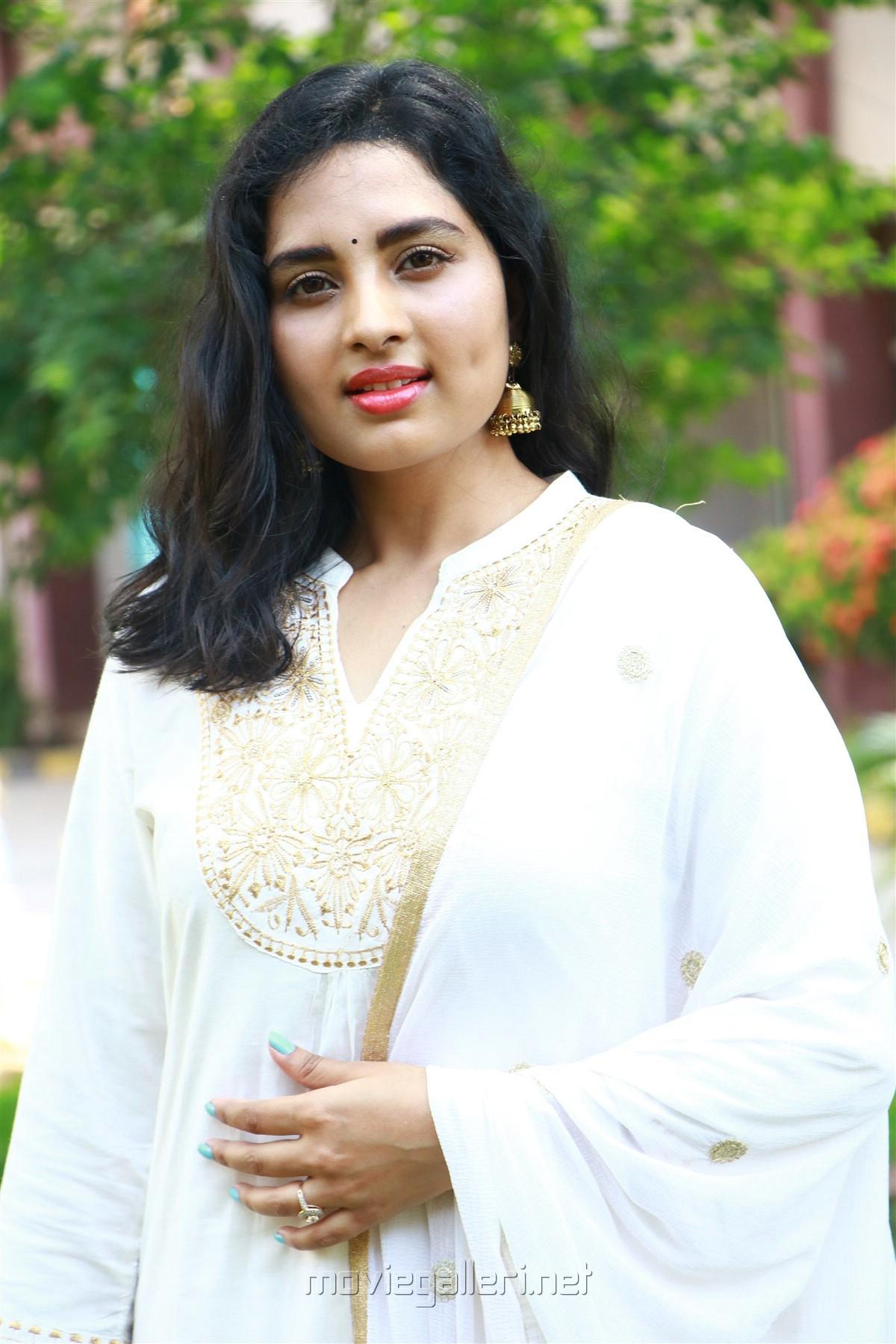 Actress Srushti Dange HD Images @ Arjuna Movie Launch