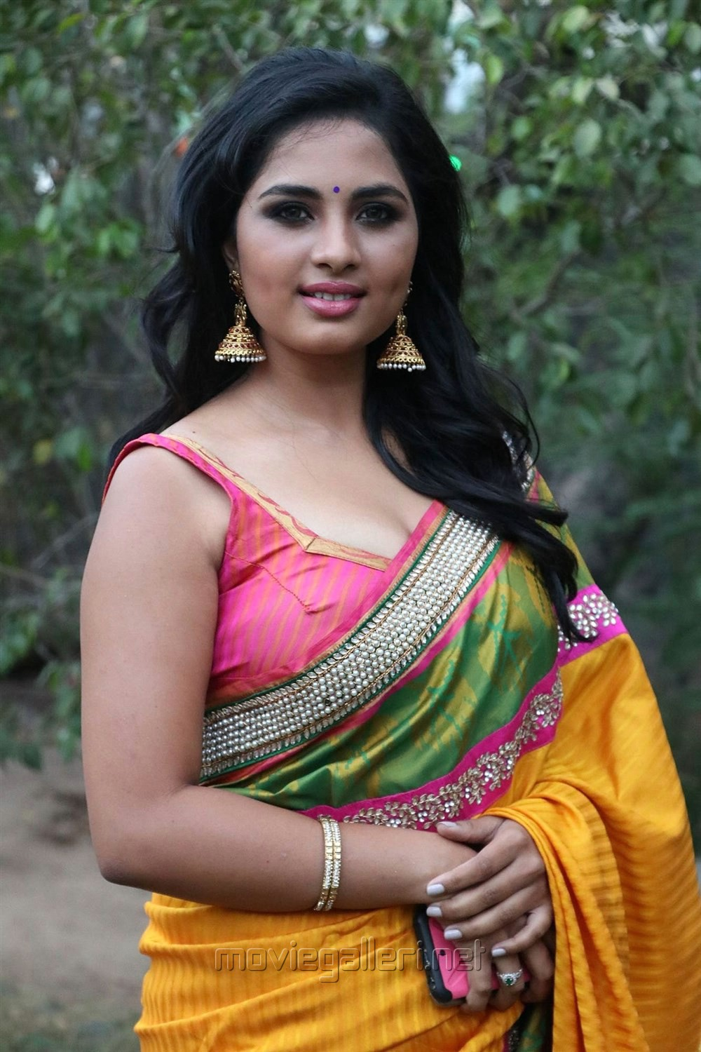 Actress srushti in saree dhanush tamil movie song indian actress sexy hot backless blouse saree imageushti dange tamil actress srushti dange stills in yellow silk saree with sleeveless thecheapjerseys Gallery