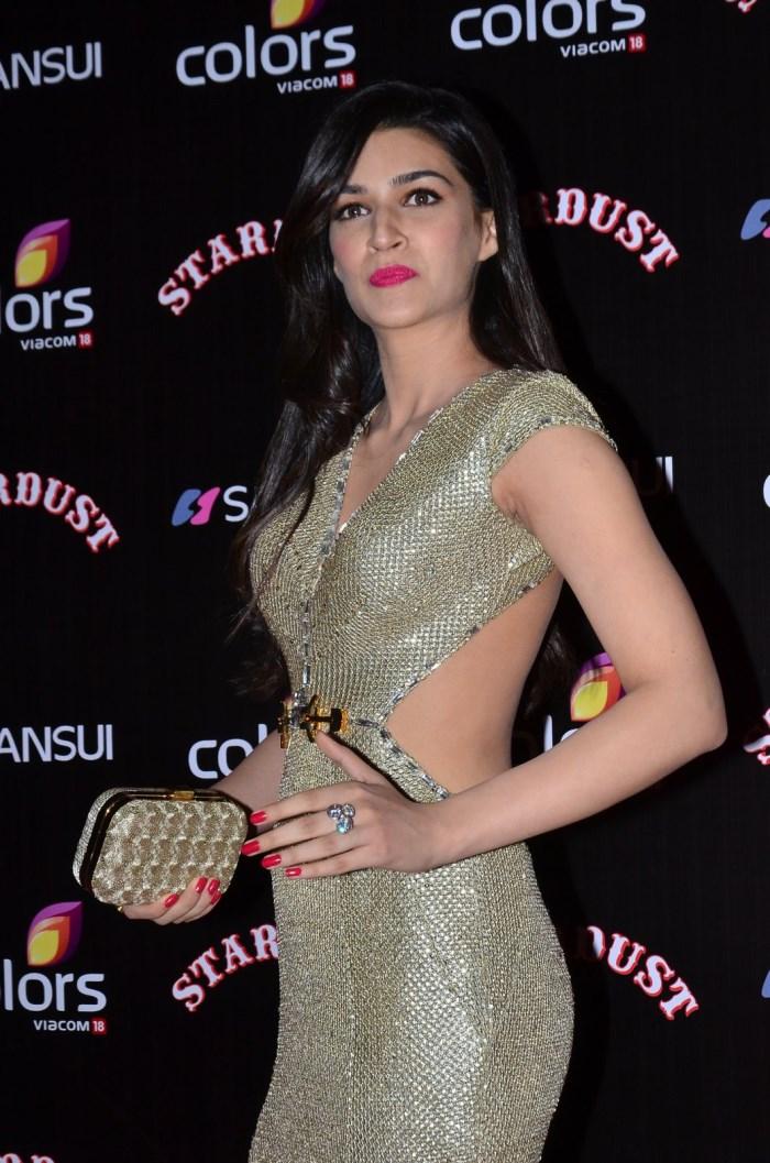 Kriti Sanon @ Sansui Colors Stardust Awards 2014 Red Carpet Photos ...