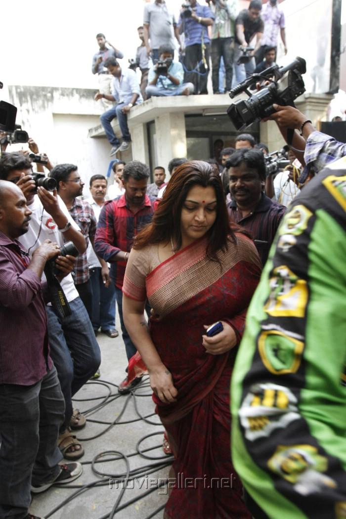 Actress Kushboo Meet Kamal Hassan Stills