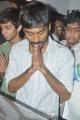 Dhanush pay tribute to Vaali Photos