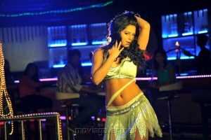 Rachana Maurya Hot item Song in Sudigadu Movie