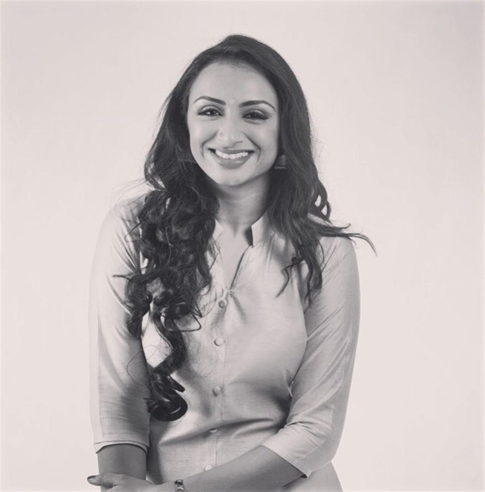 Tamil TV Serial Actress Suhasini Kumaran Photos