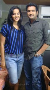 Suja Varunee & Santhanam at Settai Movie Shooting Spot Stills
