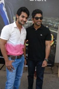 Aadi, Allu Arjun at Sukumarudu Triple Platinum Disc Function Stills