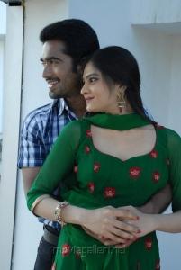 Thaman, Vibha Natarajan in Summa Nachunu Iruku Movie Stills