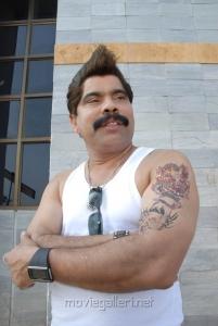 Powerstar Srinivasan in Summa Nachunu Iruku Movie Stills