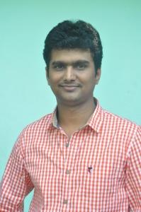 Erode Mahesh @ Summa Nachunu Iruku Movie Press Show Stills