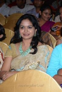 Singer Sunitha Cute Photos in Saree