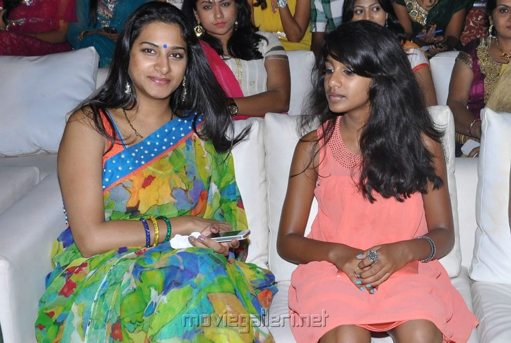 Surekha Vani Family Picture 468940 ...