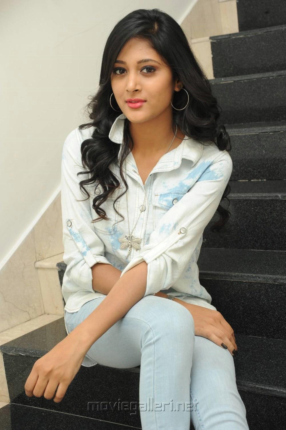 Picture 776728 Actress Sushma Raj Images At Joru Platinum Disc