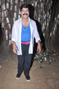 Powerstar Srinivasan at Sutta Pazham Sudatha Pazham Movie Shooting Spot Stills