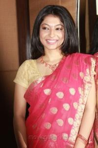 Actress Anuja Iyer at Raj TV Tanishq's Swarna Sangeetham Season 2 Press Meet Photos