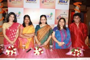 Raj TV Tanishq Swarna Sangeetham Season 2 Press Meet Photos