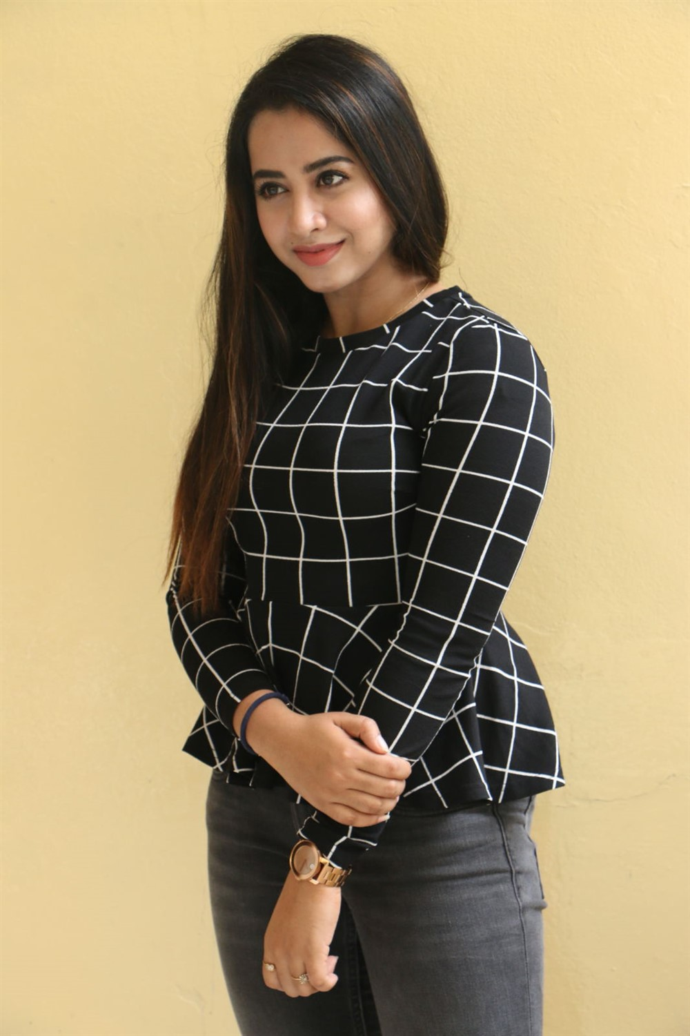 Actress Swathi Deekshith Pics @ Kaliyuga Movie Press Meet