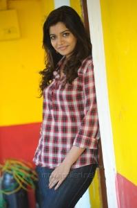 Actress Swati Reddy Cute Photos