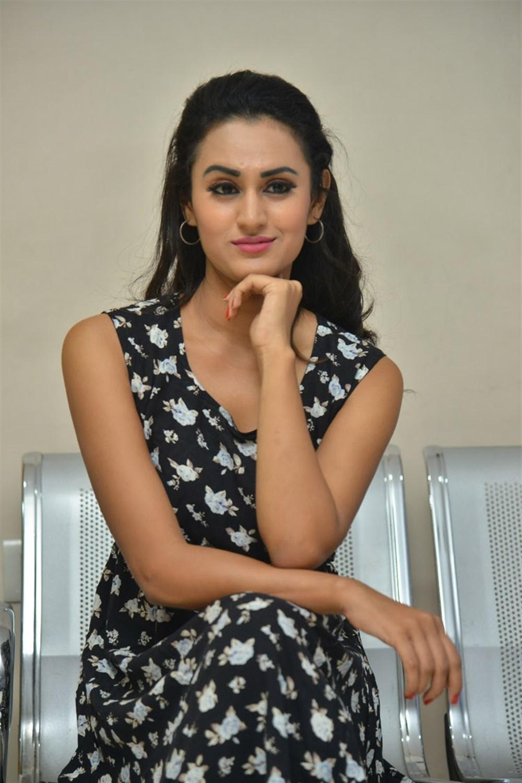 Actress Anika Rao @ Swayamvada Movie Teaser Launch Photos