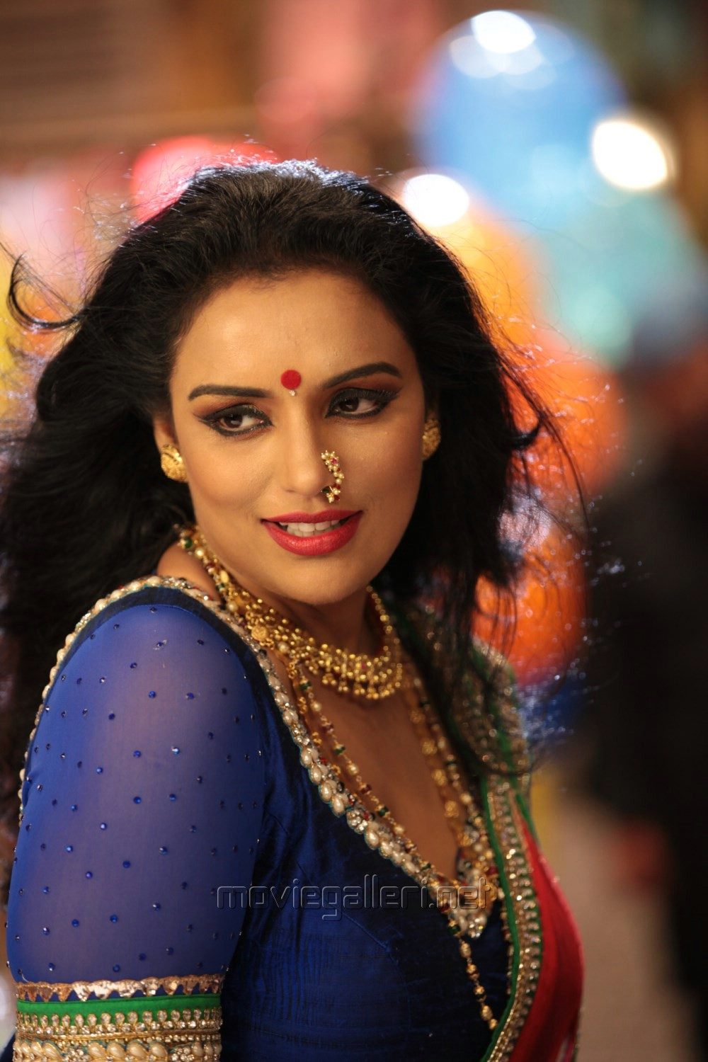 ... Swetha Menon New Hot Photos in Kalimannu Movie | New Movie Posters