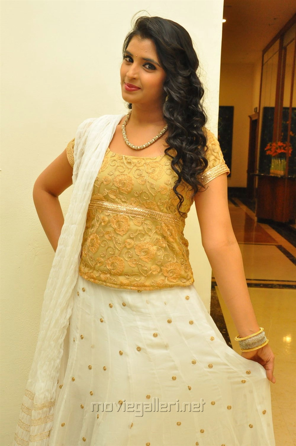 Anchor Syamala Photos in Pavadai Sattai Dress