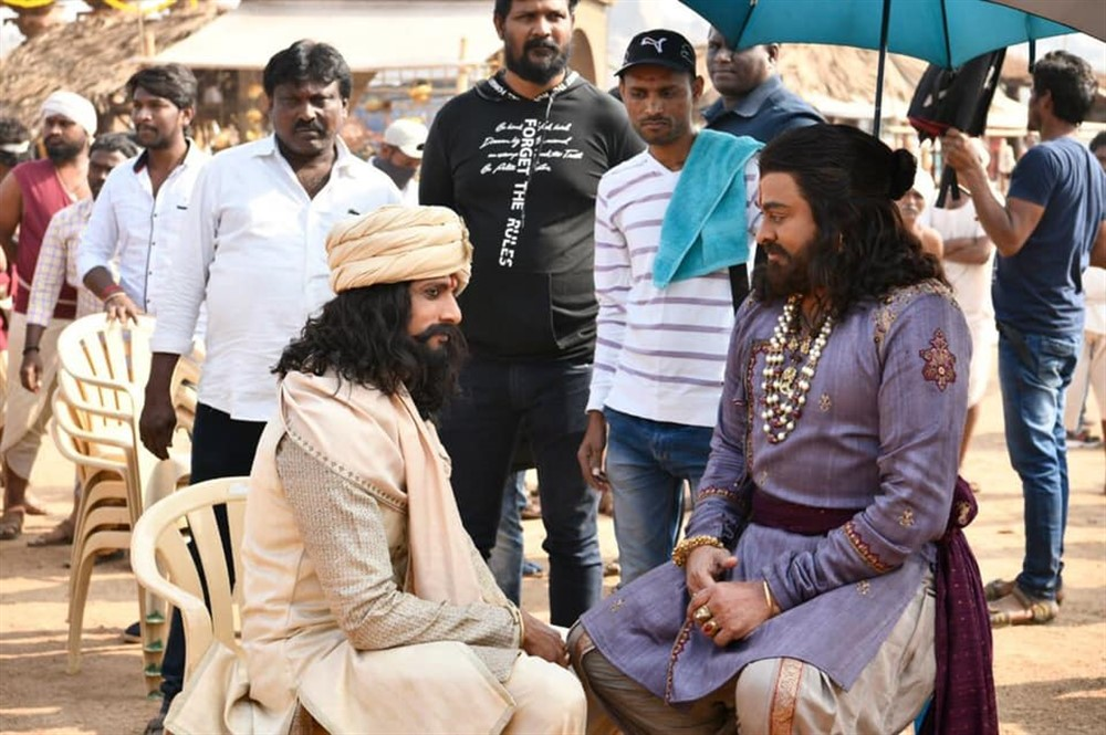 Sudeep, Chiranjeevi @ Sye Raa Narasimha Reddy Movie Working Stills