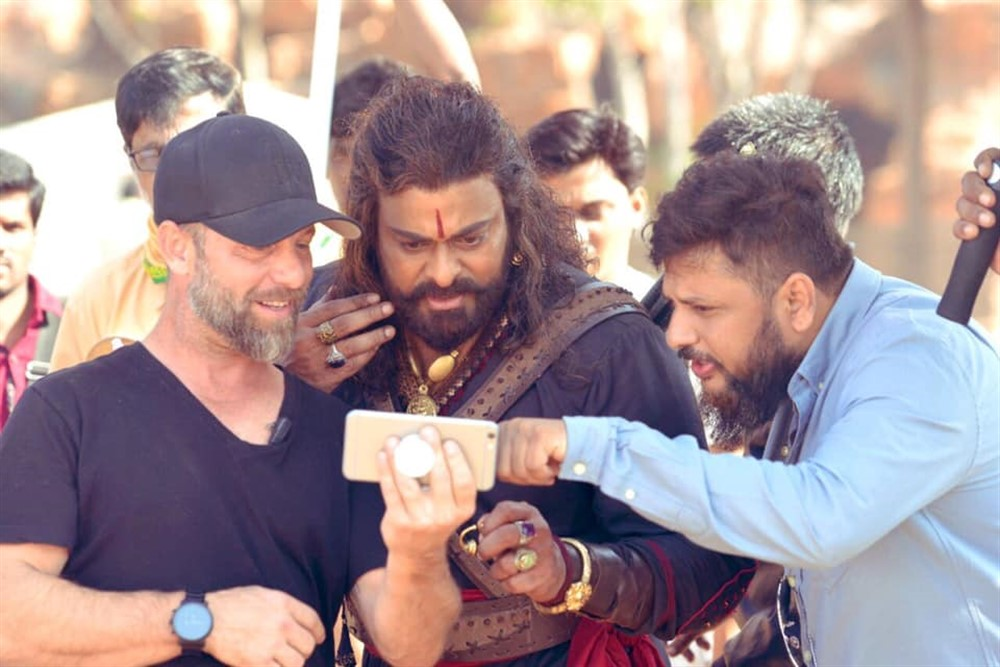 Lee Whittaker, Chiranjeevi, Surender Reddy @ Sye Raa Narasimha Reddy Movie Working Stills