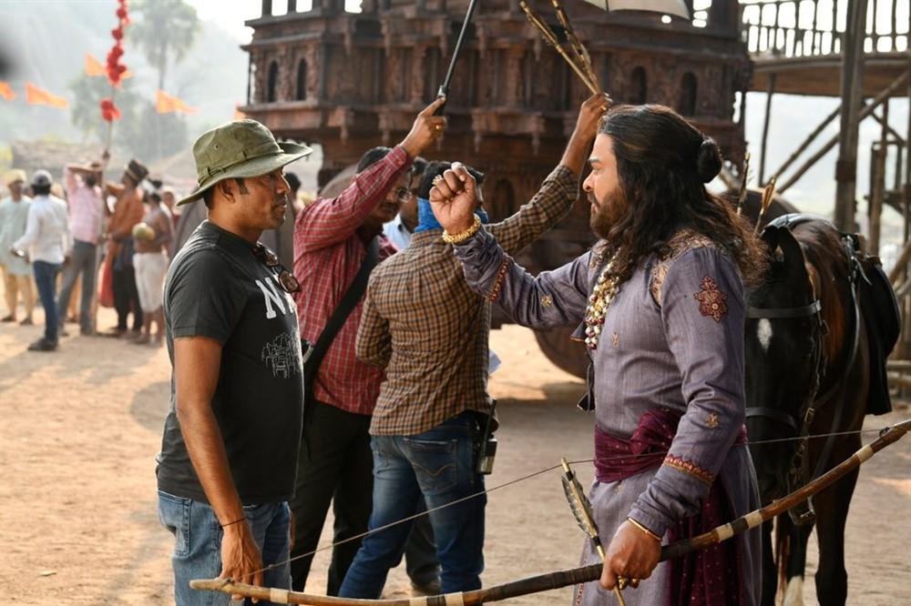 Rathnavelu, Chiranjeevi @ Sye Raa Narasimha Reddy Movie Working Stills