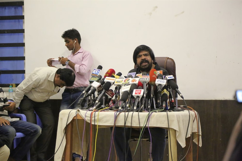 T Rajendar Press Meet on Jallikattu Issue Photos