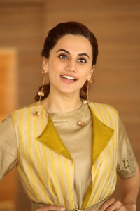 Actress Tapasee Pannu Photos @ Neevevaro Press Meet