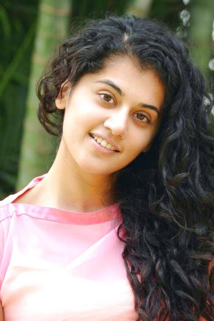 Taapsee Pannu Cute Stills Veethi