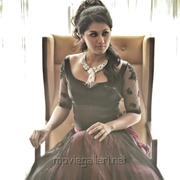 Tapasee Pannu New Hot Photo Shoot Stills