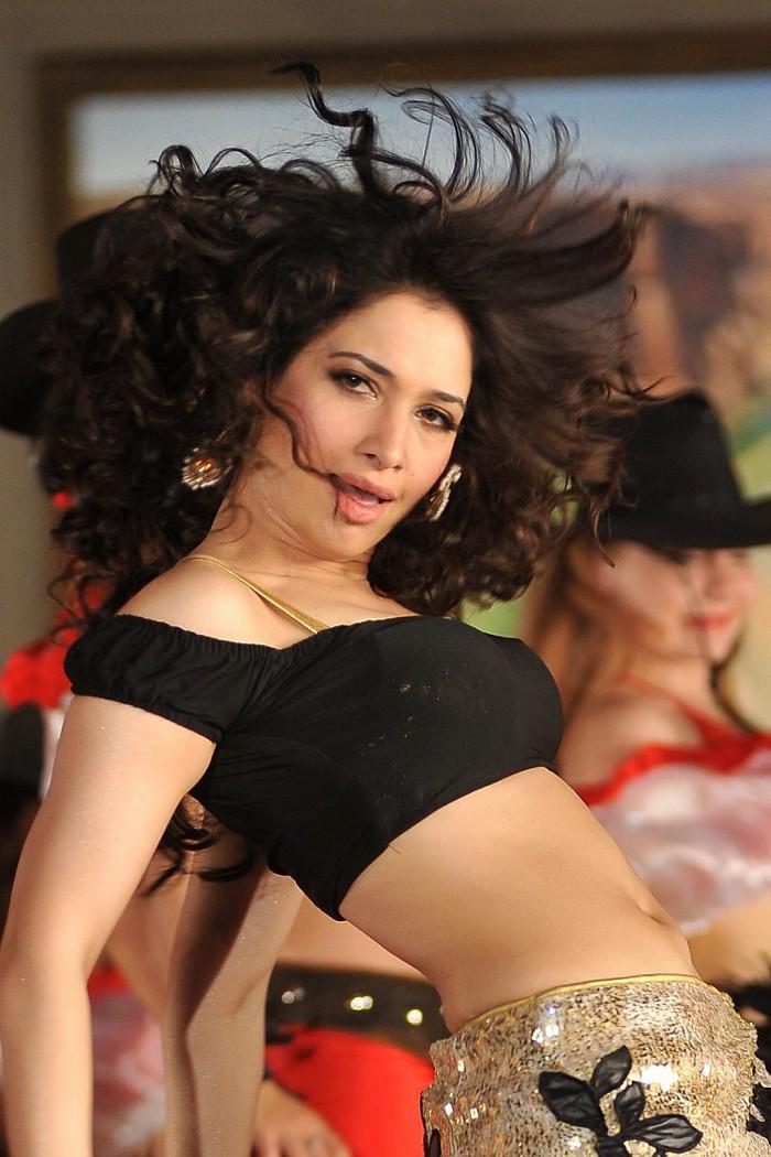 Tamanna Back: Actress Tamanna Hot Pics In CGR Movie