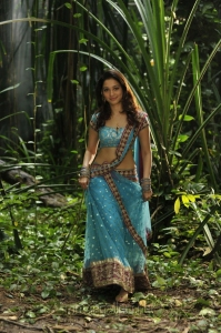 Tamanna Hot Pics in Racha Movie