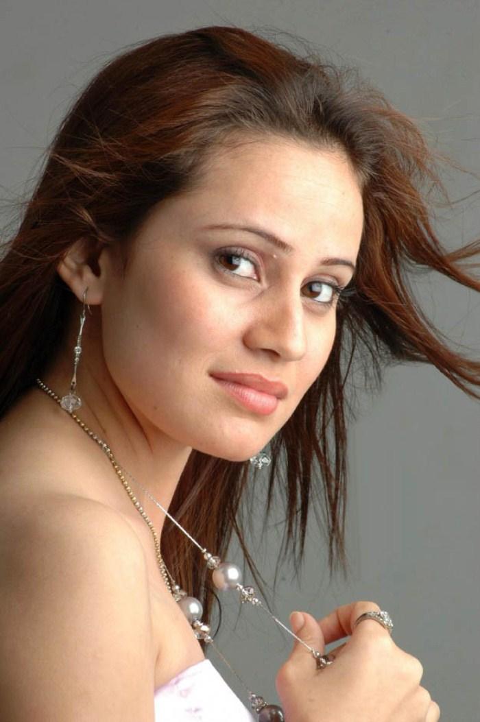 Tamil actress Caroline Mariya Asan Hot Stills