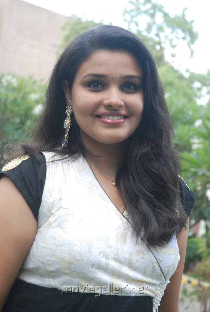 Tamil Actress Charutha Cute Stills