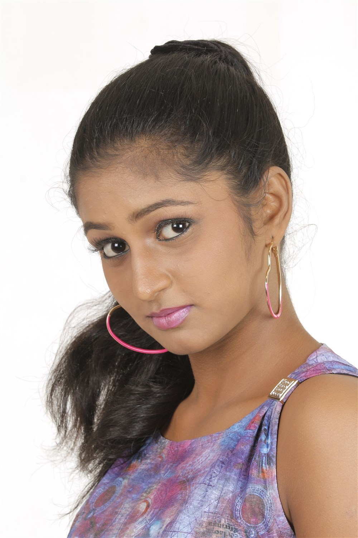 Tamil Actress Gayathri Photoshoot Images