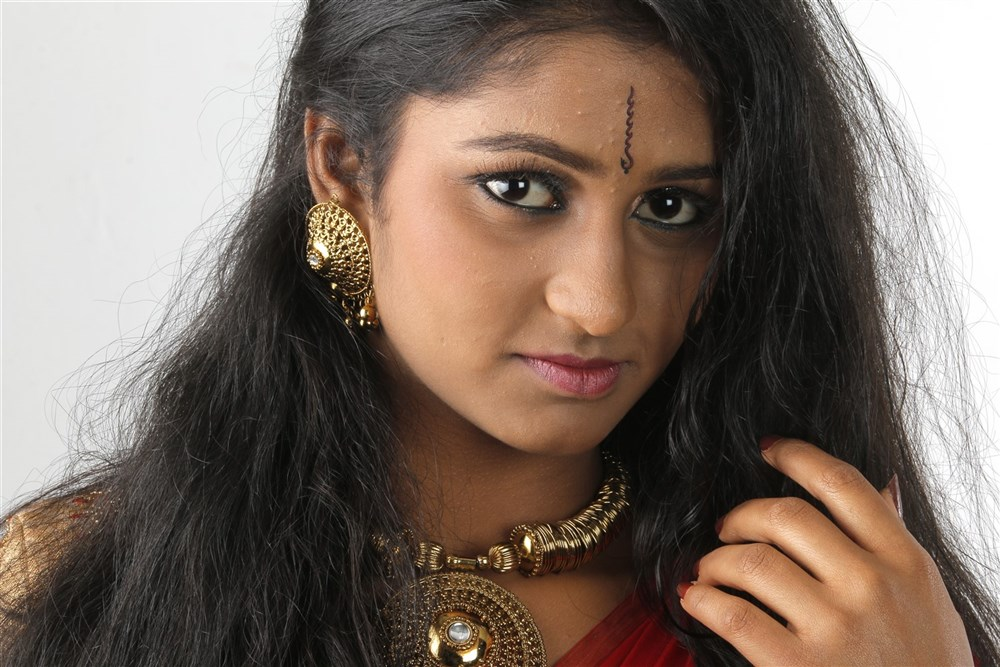 Tamil Actress Gayathri Photoshoot Images