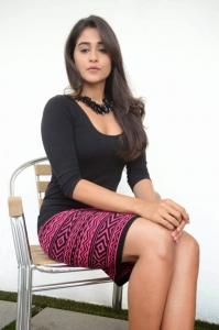 Tamil Actress Regina Cassandra Hot Images