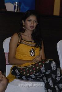 Raj Tv Tamil Pesum Kadhanayagi Hot Photos