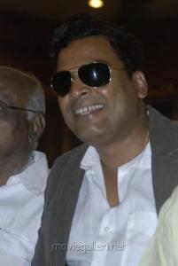 Actor John Vijay at Tamil Pesum Kadhanayagi Press Meet Stills