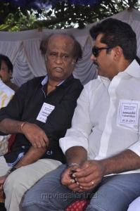 Rajinikanth, Sarathkumar at Tamil Stars Fasting Against Service Tax Stills