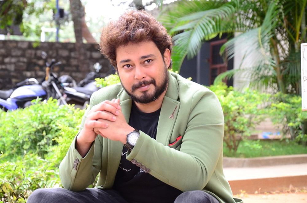 Telugu Actor Tanish Press Meet Photos