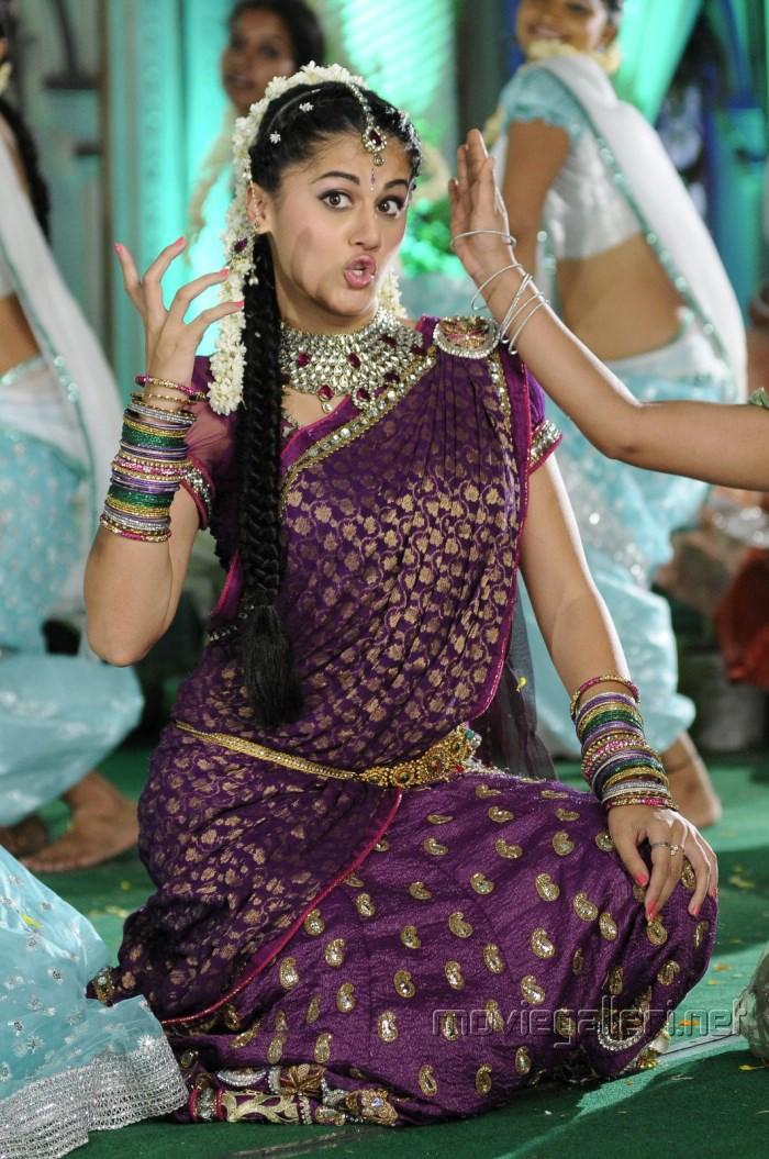 Mogudu Movie Actress Taapsee Pannu in Traditional Saree Photos