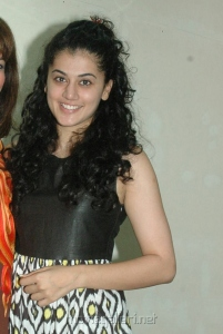 Taapsee Latest Photos at Maranthen Mannithen Press Show