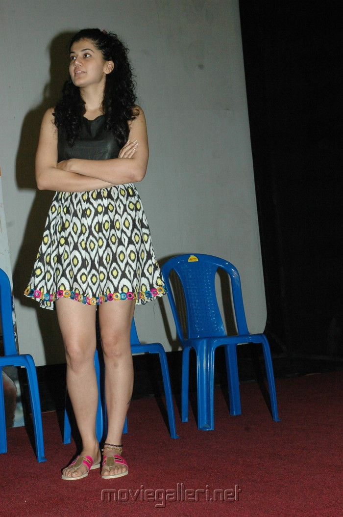 Actress Tapsee Hot Photos at Maranthen Mannithen Movie Press Show