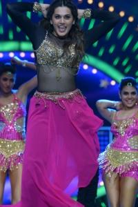 Actress Tapsee Dance Performance @ IIFA Utsavam Awards 2016