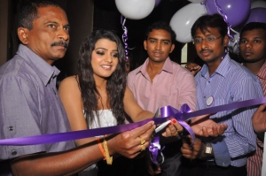 Tashu Kaushik at Naturals Family Salon and Spa Launch