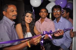 Tashu Kaushik Launches Naturals Family Salon